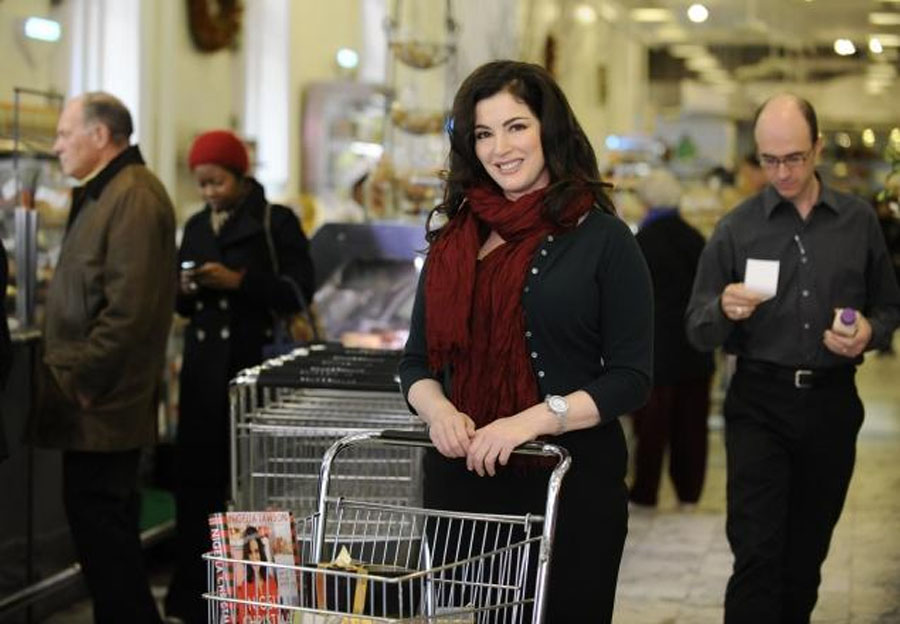 Nigella Lawson tweets holiday dessert recipe, thanks fans for support amid drug abuse allegations 48446