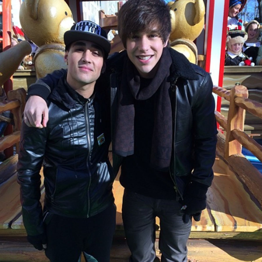 Austin Mahone Sings At Macy's Thanksgiving Day Parade 48493