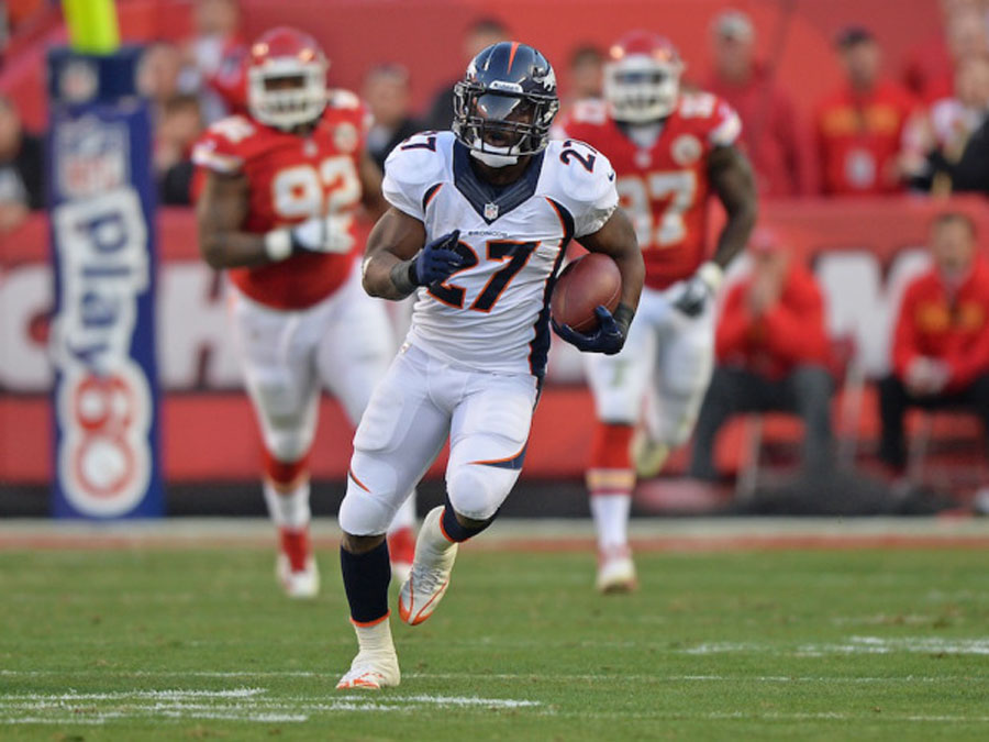 Denver Broncos' Peyton Manning throws five touchdown passes in win over Kansas City Chiefs to seize control of AFC West 48514