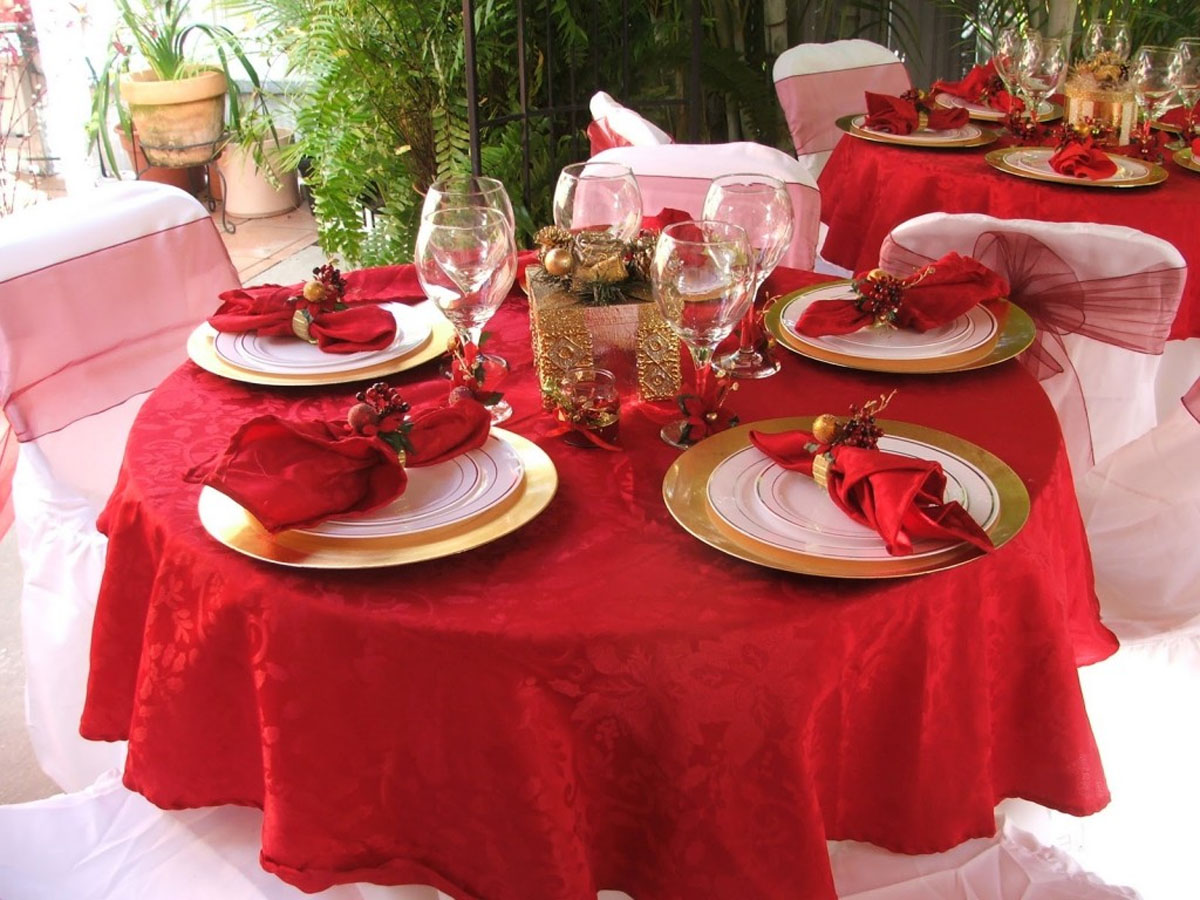 decorate the table for Christmas Eve 48661