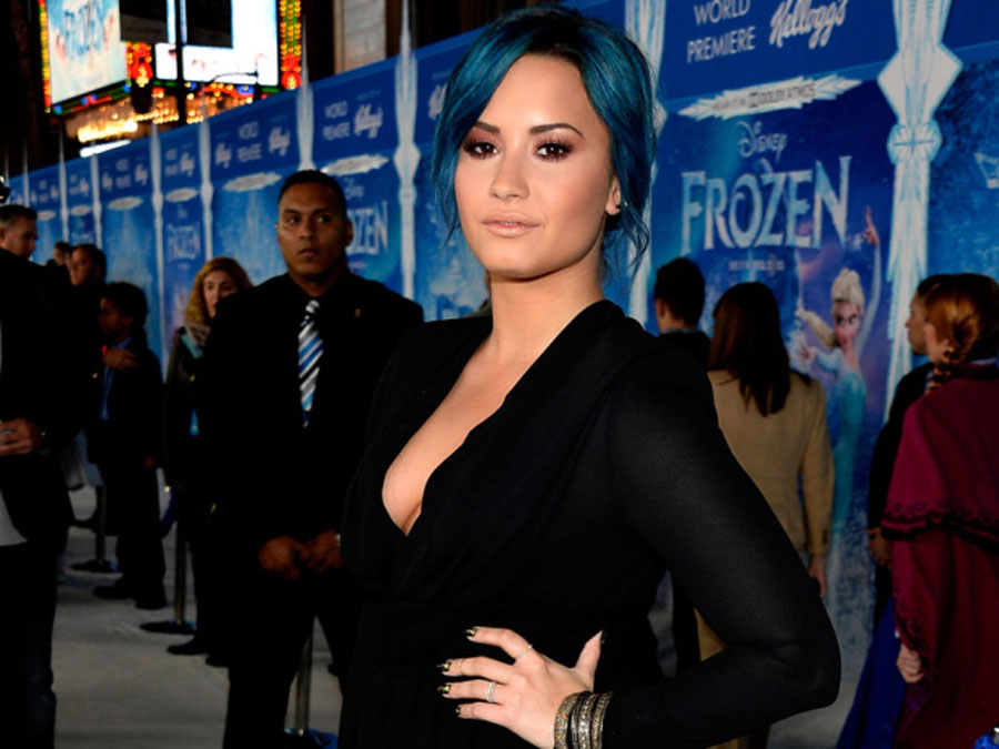 Demi Lovato reveals addiction that had her sneaking drugs onto planes: 'I couldn't go 30 minutes without cocaine' 48698