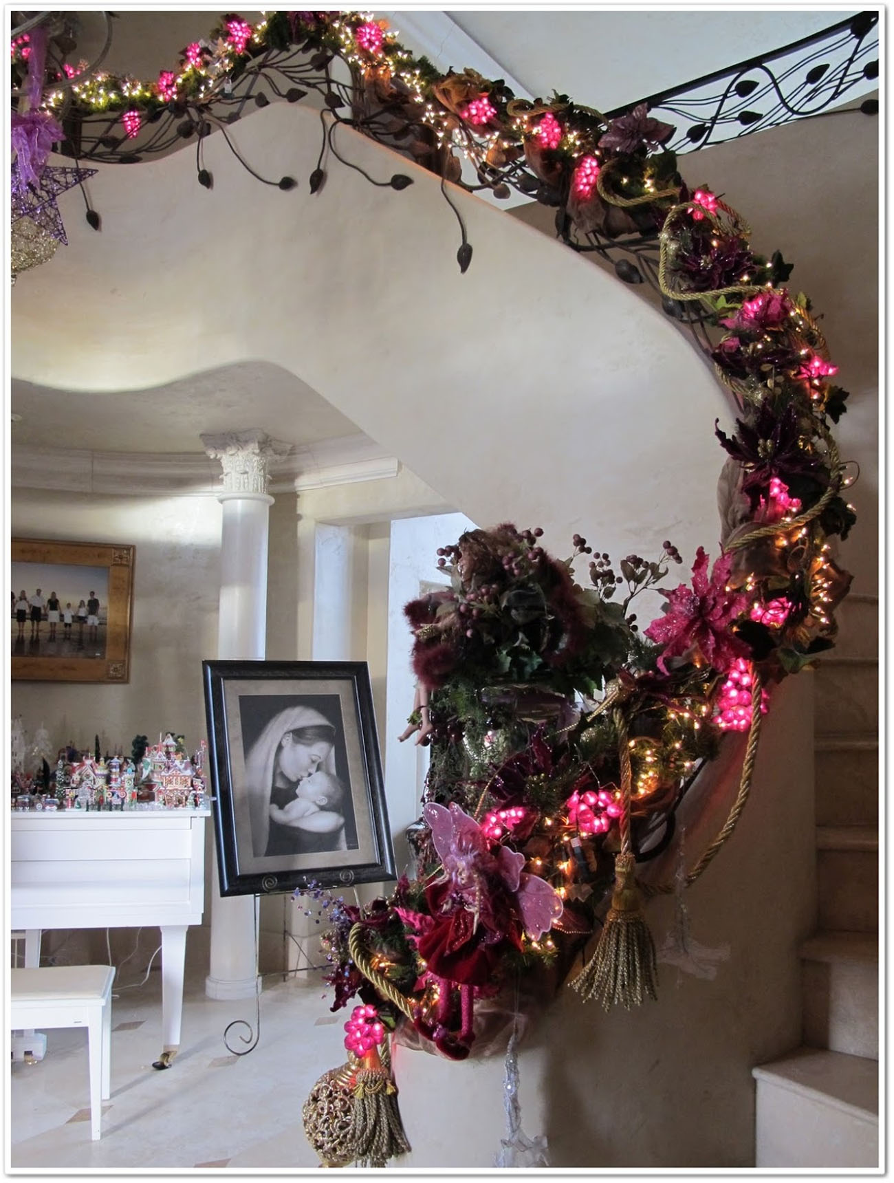 decorative staircase for a new Christmas season 48724