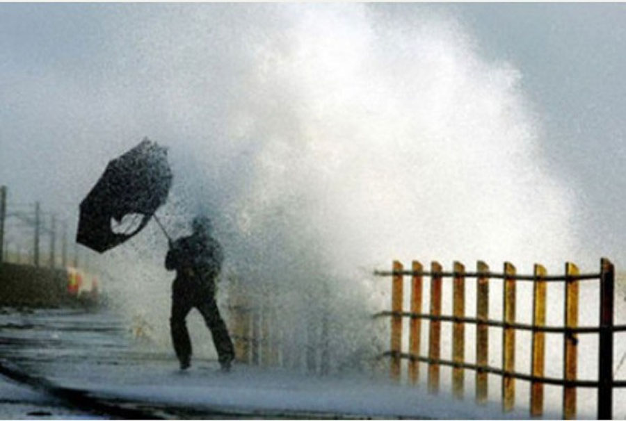 Met Office issues warning for heavy rain and 65mph gusts in North Devon 48897
