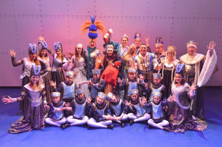 Panto cast wish Herald readers a Merry Christmas 49086