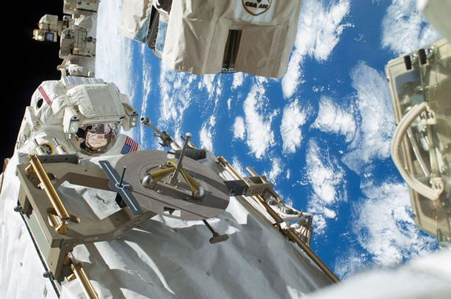 Astronauts fix ISS cooling system in long spacewalk 49094
