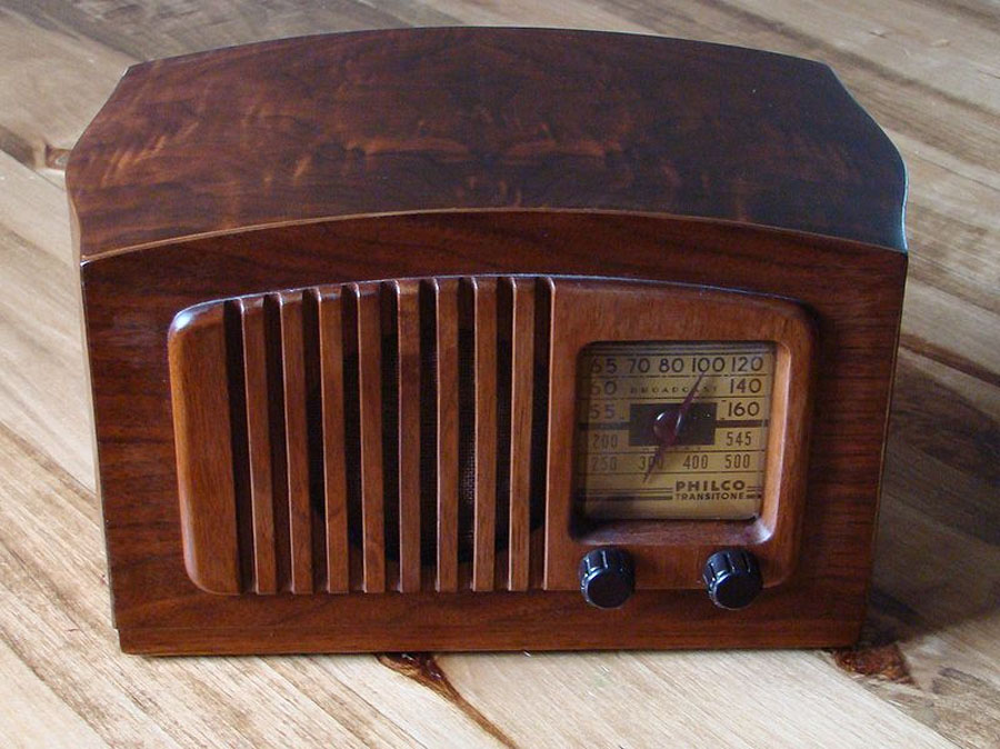 Merry Christmas! 107 years ago tonight, Americans heard the world's first radio show. 49104