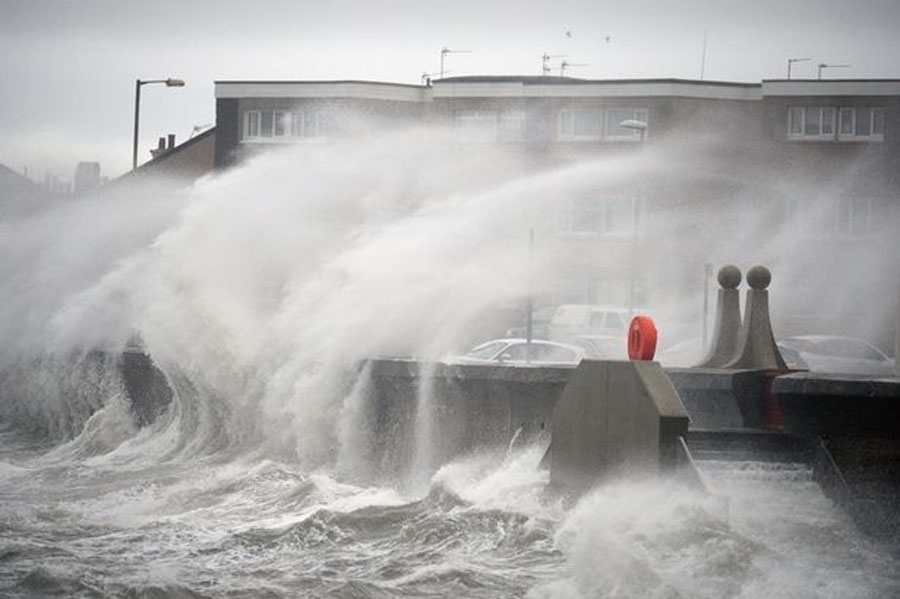 Live storm updates as Britain is lashed by strong winds and heavy rain AGAIN 49192