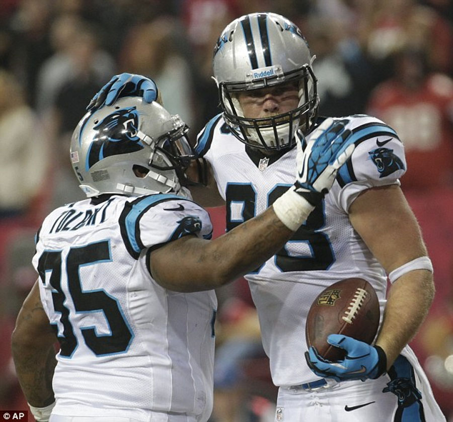 Panthers hold on to secure NFC South title and first-round bye 49259