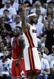 Nate Robinson and the Heat's LeBron James cross paths in the third quarter. 34823
