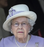 The Queen At Newbury Races 36274