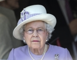 The Queen At Newbury Races 36276