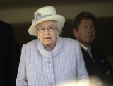 The Queen At Newbury Races 36309