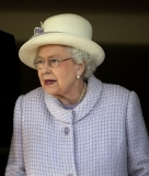 The Queen At Newbury Races 36323