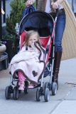 Bethenny Frankel Walks With Her Daughter 36822