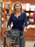 Emily Van Camp Shops at Gelson's 38409