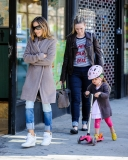 Sarah Jessica Parker Takes Her Twins to School 38650