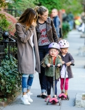 Sarah Jessica Parker Takes Her Twins to School 38731
