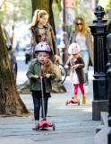 Sarah Jessica Parker Takes Her Twins to School 38760