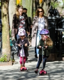 Sarah Jessica Parker Takes Her Twins to School 38772
