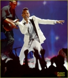 Miguel land on top of the audience members at the Billboard Music Awards 39855