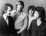 Ray Manzarek, 74, Keyboardist and a Founder of the Doors, Is Dead 40281