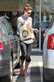 Michelle Monaghan Makes a Grocery Run 41977