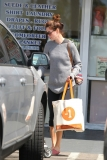 Michelle Monaghan Makes a Grocery Run 41990