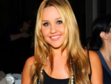 Amanda Bynes Fires Up Twitter Beefs With Chrissy Teigen, Courtney Love 44284