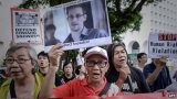 Edward Snowden due to quit Moscow in Ecuador asylum bid 44593