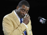 Cris Carter thanks Buddy Ryan and his wife, brings them into Hall of Fame with him 45728