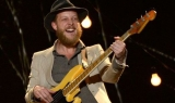 Post-op Ted Dwane of Mumford & Sons' promises to leave the head banging alone 45785