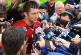 Tim Tebow Says He Prayed for Ex-Teammate Riley Cooper After Racial-Slur Incident 45831
