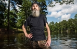 Duck Dynasty's Si Robertson on His Iced Tea Habit and Keeping Everyone Happy 45989