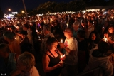 Thousands of people from around the world traveled to Graceland for the 36th anniversary of Elvis' death 46089