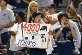 Ichiro Suzuki collects career hit No. 4,000 46197