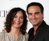 Sara Gilbert reveals she first realized she was gay while dating former 'Roseanne' co-star Johnny Galecki 46465