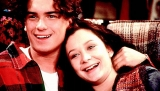 Sara Gilbert realised she was gay while dating 'Roseanne' costar Johnny Galecki 46467