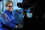 Elton John pays tribute to Liberace with 'Home Again' 46602