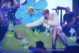 Sinead O'Connor urges Miley Cyrus to stop 'pimping' herself 47053