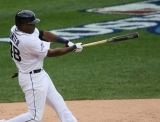 Detroit Tigers' Torii Hunter says he'll play Game 4 despite hurt shoulder 47162