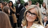 Angela Ahrendts leaves Burberry for new job at Apple 47352