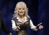 Dolly Parton involved in 'fender bender' car accident, suffers minor injuries 47489