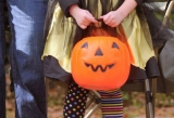 Last-minute Halloween costumes: ghost, Charlie Brown, bee, more 47769