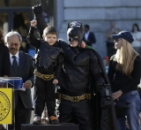 Batkid lauded by Batman actors Christian Bale, Adam West, Michael Keaton, Ben Affleck 48112
