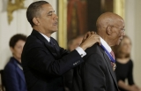 Obama pays tribute to JFK, Medal of Freedom recipients 48190