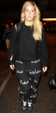 Ellie Goulding opts for comfort over style in baggy sweatshirt at LAX 48393