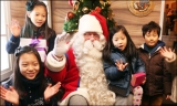 Santa Claus and children 48616