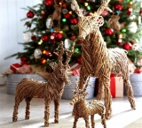 Amazing Rattan Reindeers Artwork For Christmas Decoration Ideas 48676