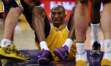 Kobe Bryant out six weeks with knee fracture 48921