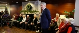 Stephen Harper Wishes Calgary Senior Home Residents Merry Christmas 49085